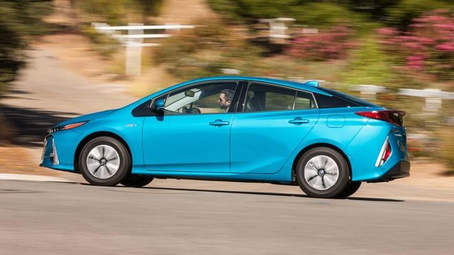 Toyota ban 10 trieu xe hybrid anh 1