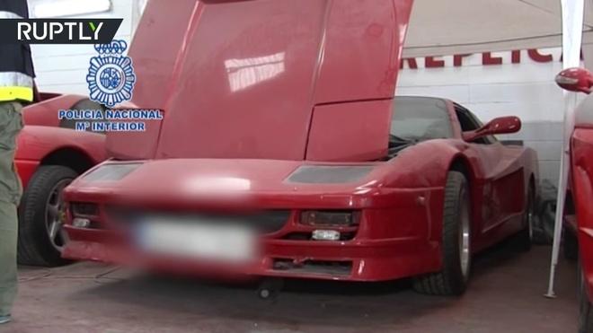 Ba nguoi bi bat vi san xuat Ferrari va Lamborghini nhai hinh anh 6