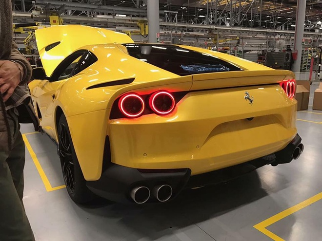 Ferrari 812 SuperFast lo anh anh 4