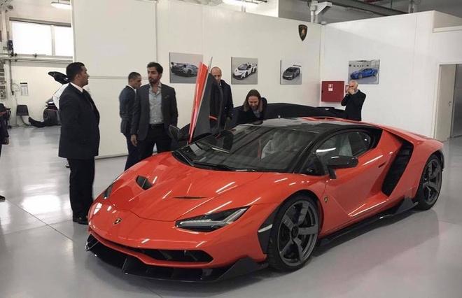 Lamborghini Centenario dau tien ve tay tu truong A Rap hinh anh 1