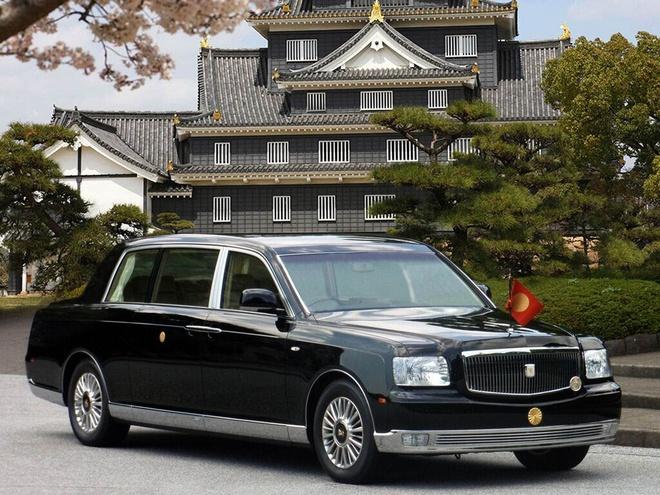 Toyota Century Royal - xe chong dan cho Hoang gia Nhat hinh anh 1