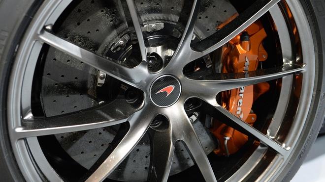 McLaren 720S ra mat anh 8
