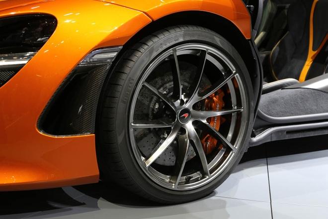 McLaren 720S ra mat anh 6