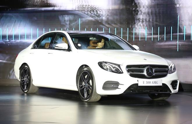 Mercedes-Benz trieu hoi khoang 1.000 xe tai Viet Nam hinh anh
