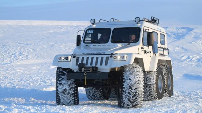 Tong thong Putin lai SUV anh 1