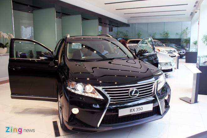 Lexus that the truoc Mercedes tai Viet Nam hinh anh 2
