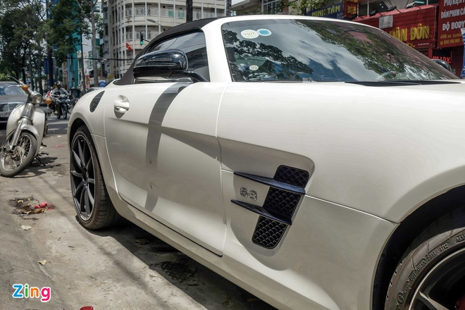 Sieu xe Mercedes SLS mui tran duy nhat tai Viet Nam cua dai gia ca phe hinh anh 5