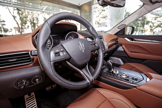 Maserati Levante ban dac biet trung bay o Sai Gon hinh anh 4