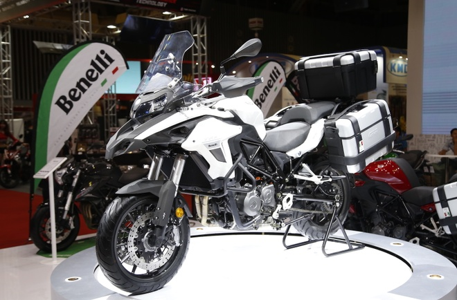 Chi tiet xe phuot Benelli TRK 502 gia 136 trieu dong tai VN hinh anh