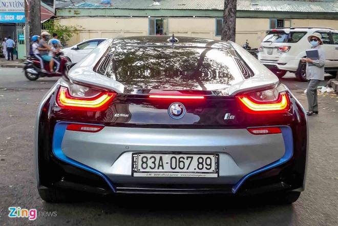 BMW i8 doc nhat cua thieu gia ve so Soc Trang tai xuat o Sai Gon hinh anh 3