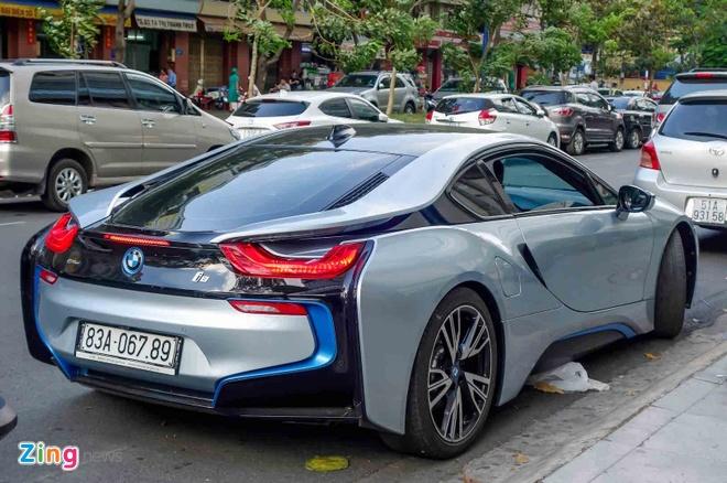 BMW i8 doc nhat cua thieu gia ve so Soc Trang tai xuat o Sai Gon hinh anh 4