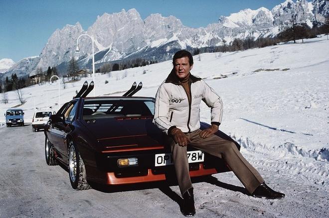 Nhin lai nhung mau xe qua tay 'Diep vien 007' Roger Moore hinh anh