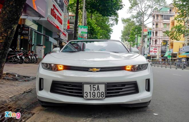 Chevrolet Camaro 2017 dau tien ra bien so anh 1