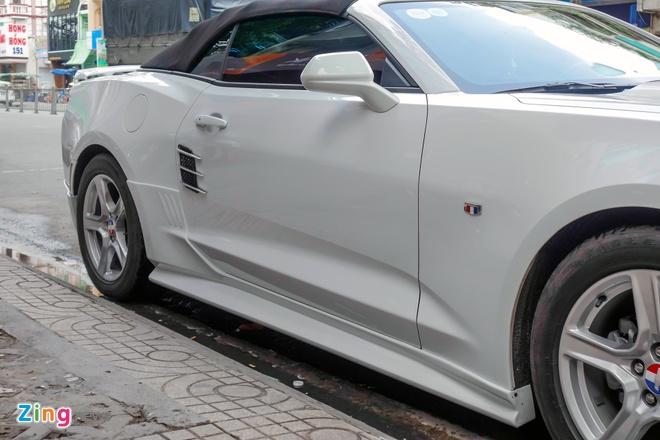 Xe the thao Chevrolet Camaro 2017 dau tien tren duong Sai Gon hinh anh 5
