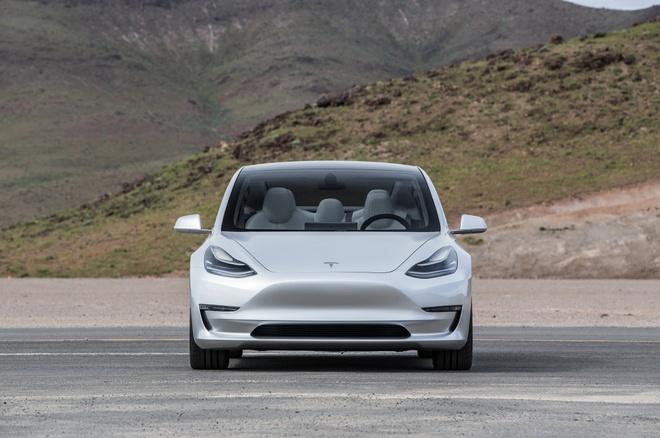Tesla Model 3 ra mat anh 2