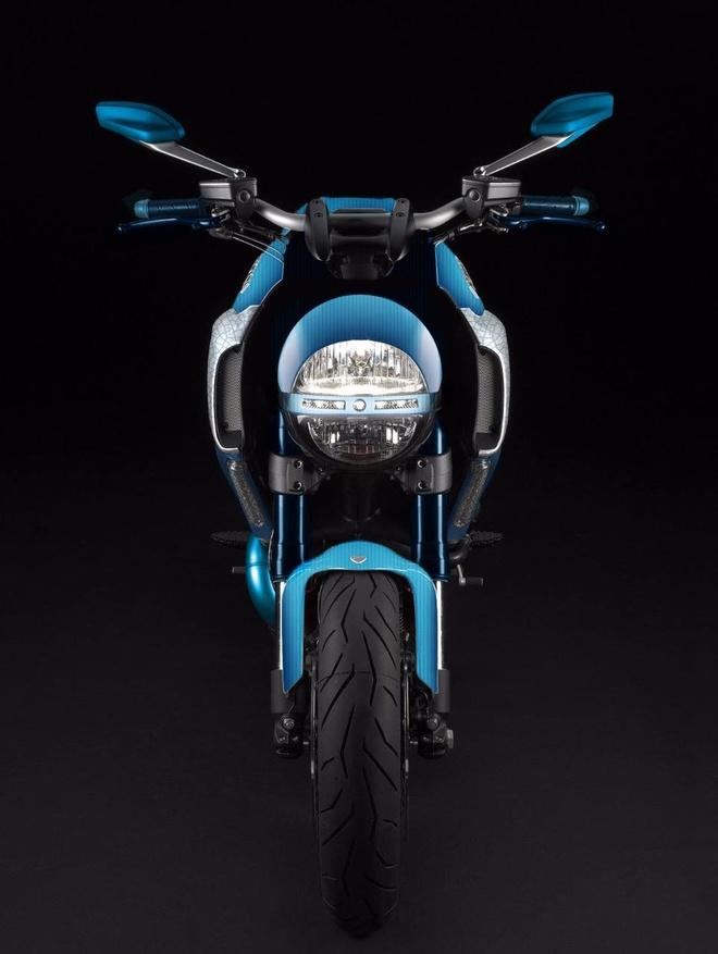 Ducati Diavel ban do carbon xanh doc dao hinh anh 4