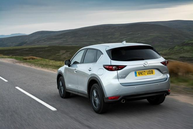 Mazda CX-5 2017 tuong duong 687 trieu dong tai Anh hinh anh 12