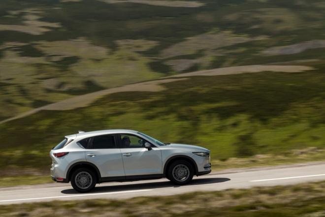 Mazda CX-5 2017 tuong duong 687 trieu dong tai Anh hinh anh 3