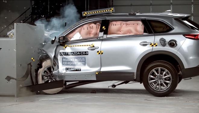 Mazda CX-9 moi la mot trong nhung mau xe an toan nhat hinh anh