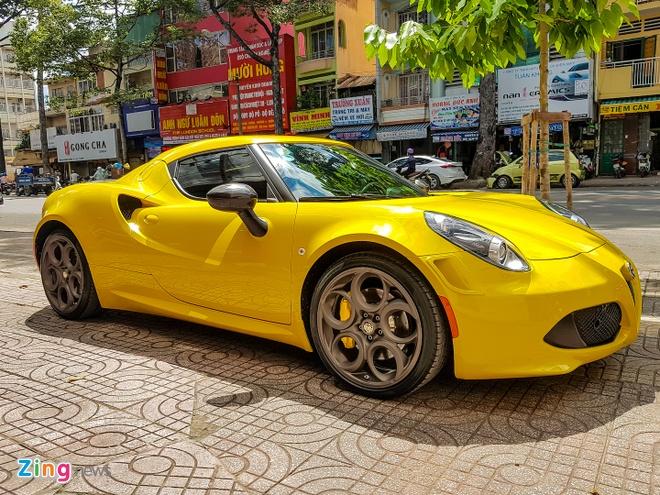 Alfa Romeo 4C doc nhat Viet Nam doi mau vang hinh anh 3