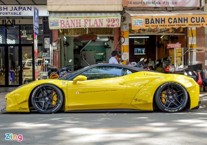 Sieu xe Ferrari 458 do than rong Liberty Walk dau tien tai Viet Nam hinh anh 3
