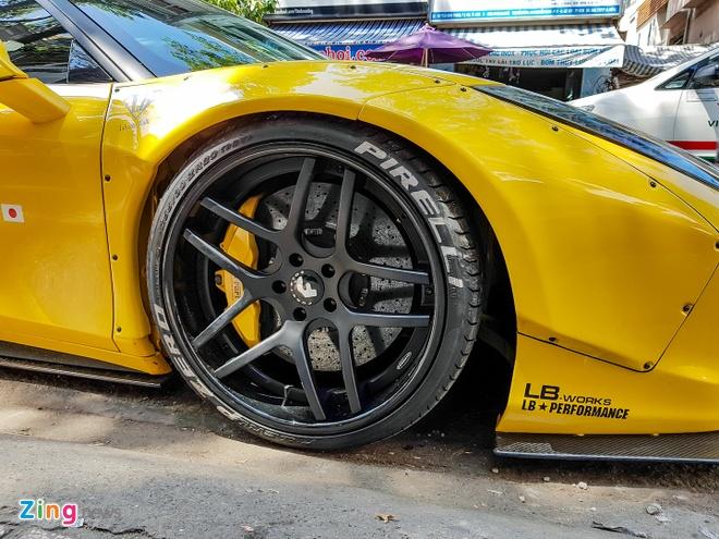Sieu xe Ferrari 458 do than rong Liberty Walk dau tien tai Viet Nam hinh anh 4
