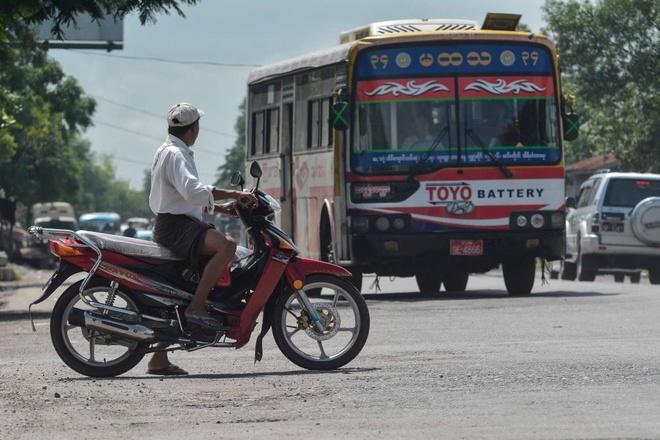 Vi sao Myanmar cam xe may tai Yangon? hinh anh 3