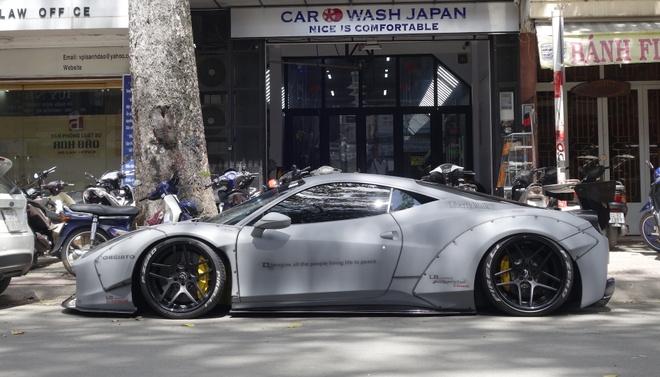 Sieu xe Ferrari 458 do 'sat gam' tai TP.HCM hinh anh