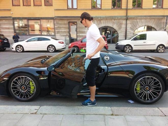 Zlatan Ibrahimovic tau sieu xe trieu do LaFerrari hinh anh 4