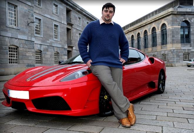 Tho dien, tho sua ong nuoc cung co the mua Ferrari tai Australia hinh anh