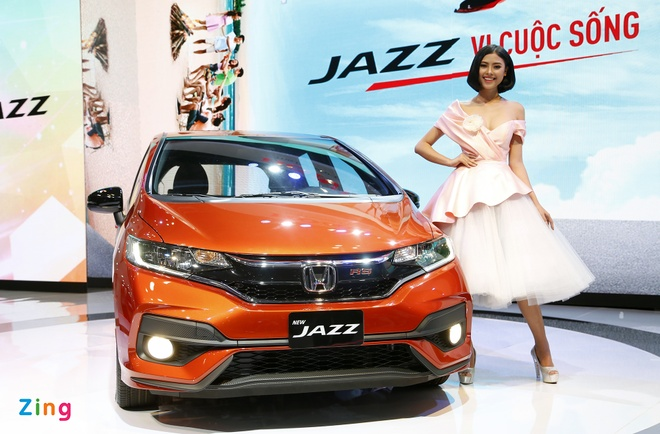 Vietnam Motorshow 2017: It xe moi, to chuc voi vang hinh anh 4