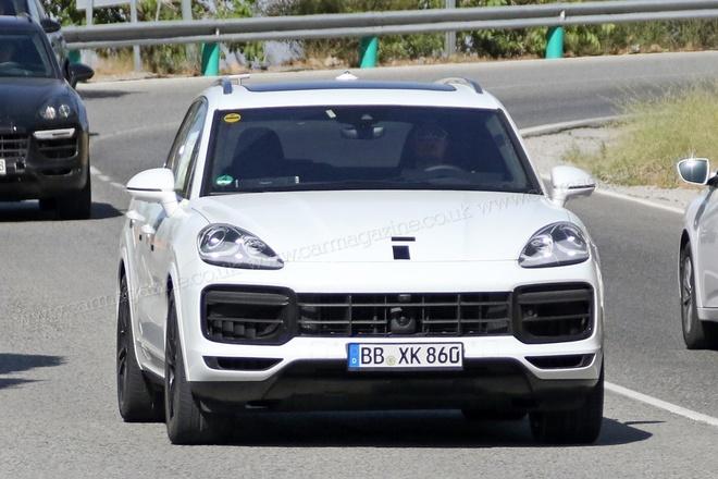 Porsche Cayenne 2017 lo dien tren duong thu hinh anh 1