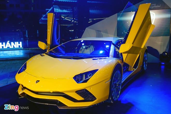Lamborghini Aventador S doc nhat VN ve tay dai gia Sai Gon hinh anh 1