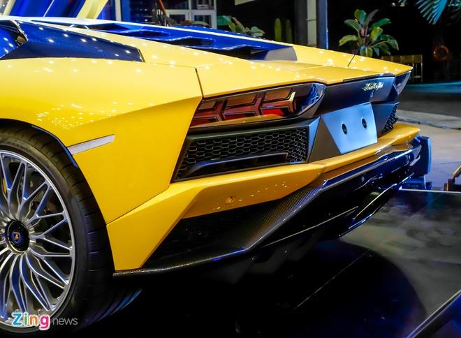 Lamborghini Aventador S doc nhat VN ve tay dai gia Sai Gon hinh anh 7
