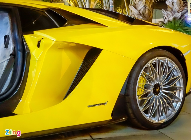 Lamborghini Aventador S hon 40 ty lan dau xuong pho Sai Gon hinh anh 9