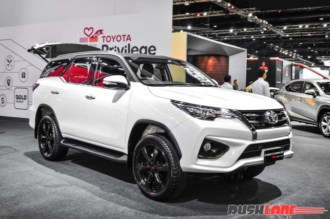 Toyota Fortuner ban the thao gia tuong duong 1 ty dong tai An Do hinh anh