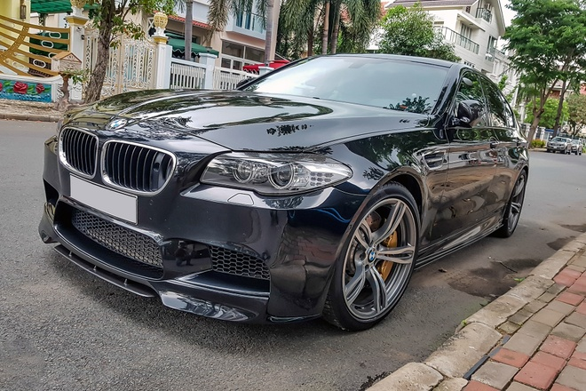 BMW M5 duy nhat VN xuat hien truoc nha Quoc Cuong Gia Lai hinh anh