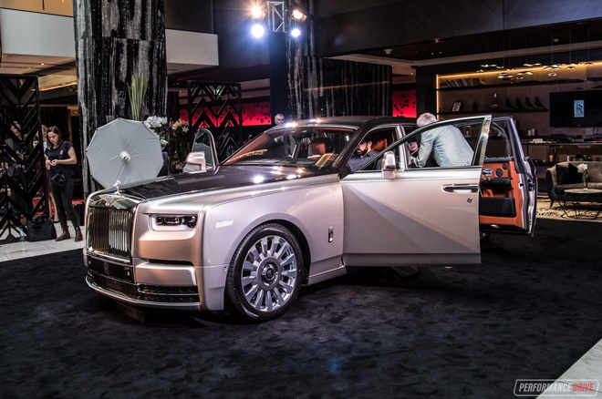 Rolls-Royce Phantom 2018 tuong duong 17 ty dong tai Australia hinh anh