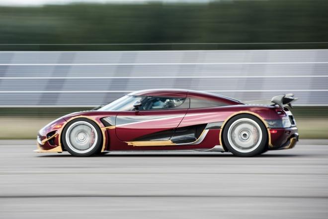 Koenigsegg Agera RS danh bai Bugatti Chiron hinh anh
