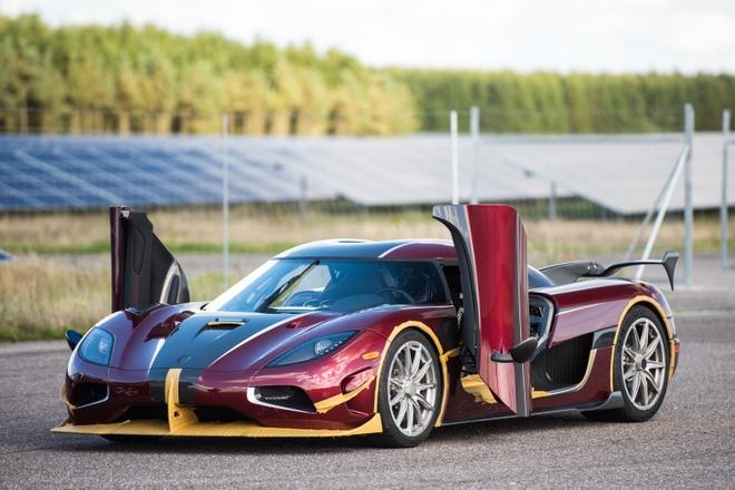Koenigsegg Agera RS danh bai Bugatti Chiron hinh anh 2