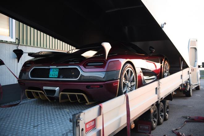 Koenigsegg Agera RS danh bai Bugatti Chiron hinh anh 3