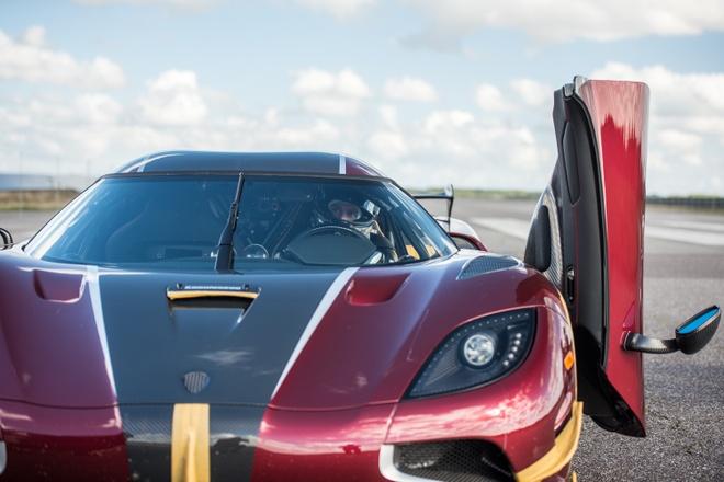 Koenigsegg Agera RS danh bai Bugatti Chiron hinh anh 8