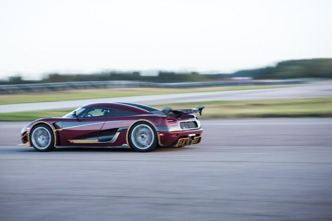 Koenigsegg Agera RS danh bai Bugatti Chiron hinh anh 9