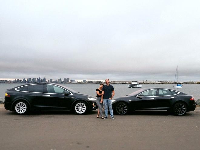 Day la cach cap vo chong My mua 2 chiec Tesla khong ton xu nao hinh anh 1