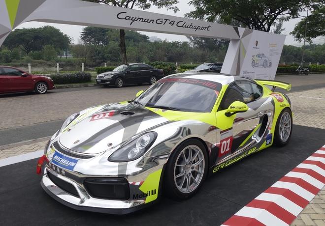 Xe dua la mat Porsche Cayman GT4 o Sai Gon hinh anh