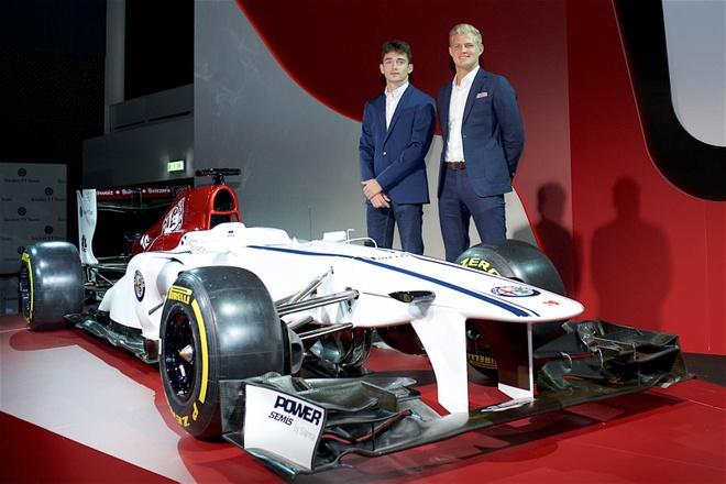 Doi dua F1 Alfa Romeo Sauber chinh thuc ra mat hinh anh