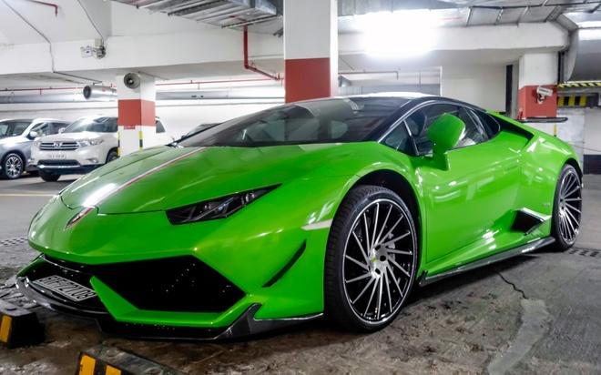 Sieu xe Lamborghini Huracan do duoi ham de xe o Sai Gon hinh anh