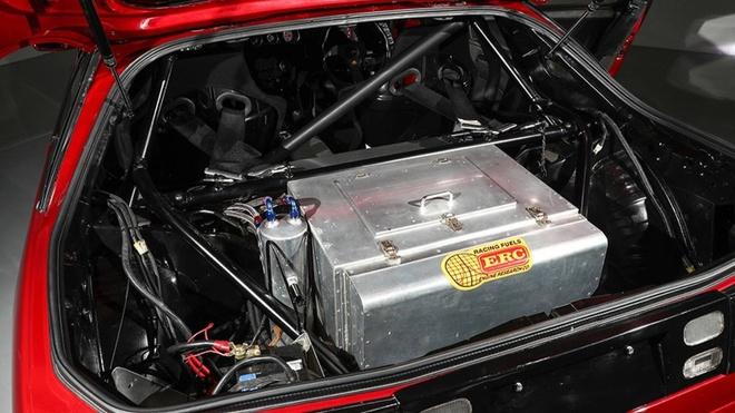 Nissan 300ZX nhanh hon Bugatti Chiron anh 5