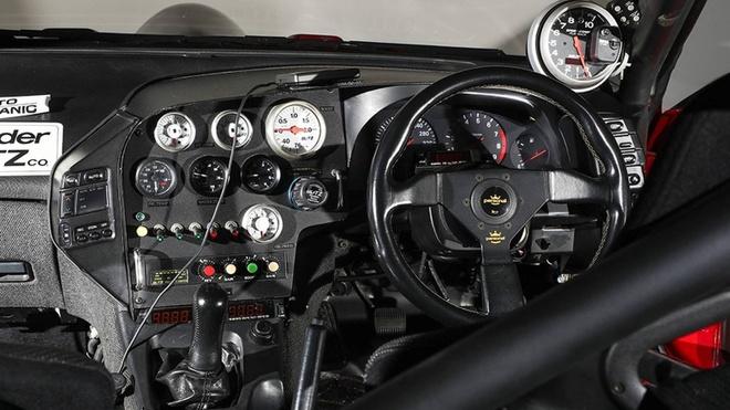 Nissan 300ZX nhanh hon Bugatti Chiron anh 7