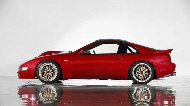 Nissan 300ZX nhanh hon Bugatti Chiron anh 2